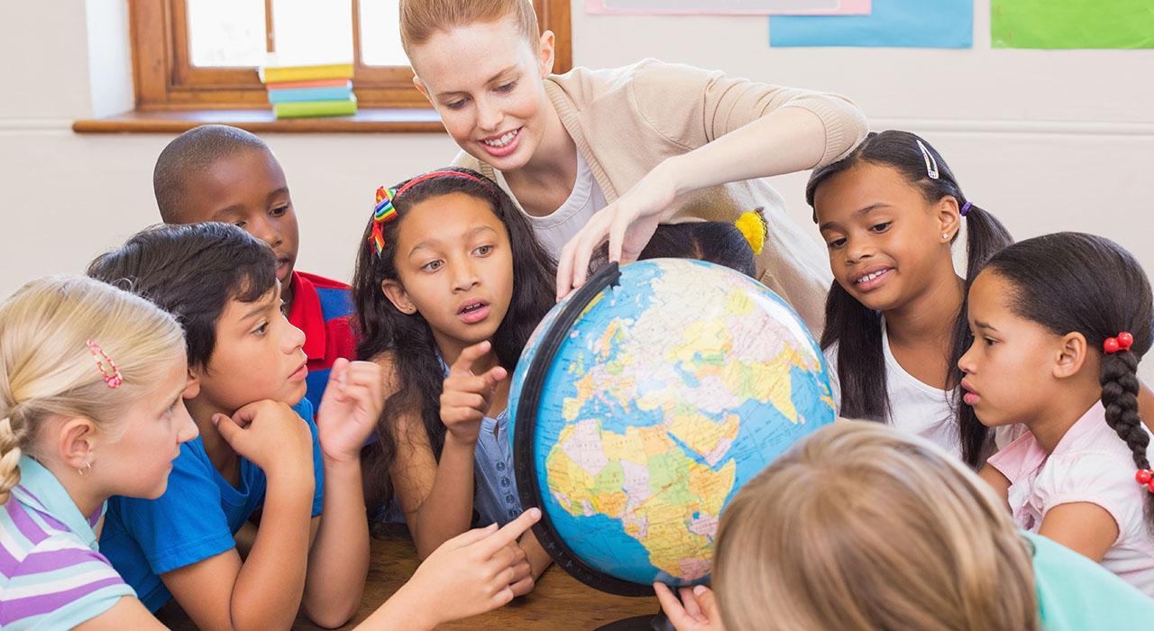 Formación en Enseñanza de Valores Sociales a través de la Geografía y la Historia
