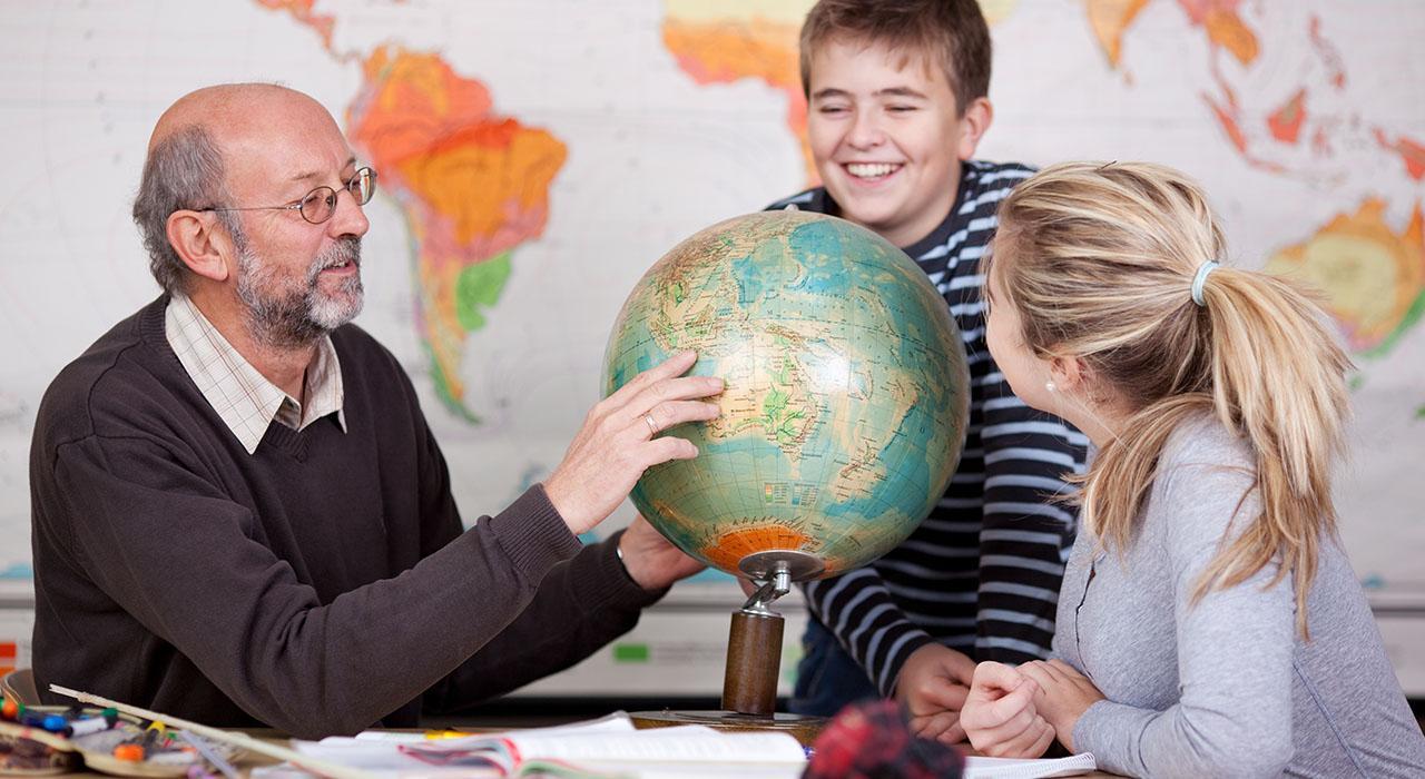 Formación en Rol del Docente en Geografía e Historia en Educación Primaria