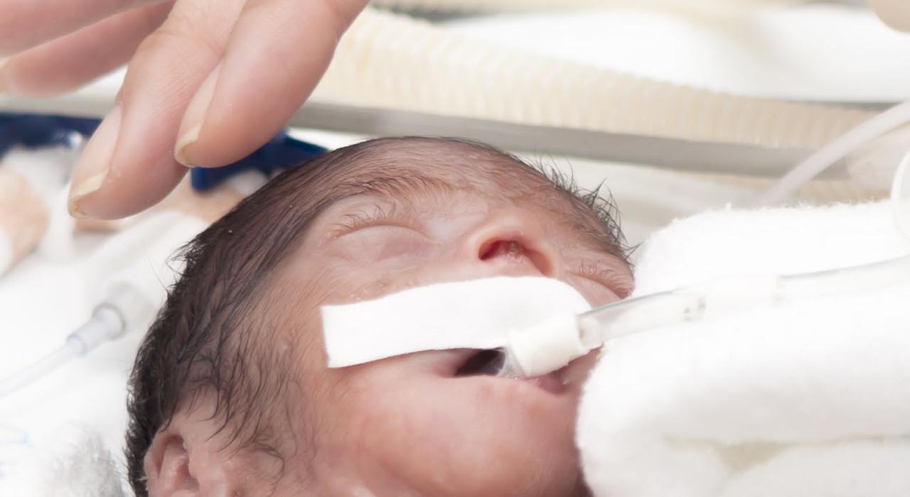 Formación en Cuidados Intensivos Neonatales y Enfermería Neonatal