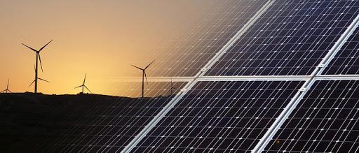 Las dos formas más abundantes de energía en la tierra son la energía solar y eólica, y cada vez son más económica