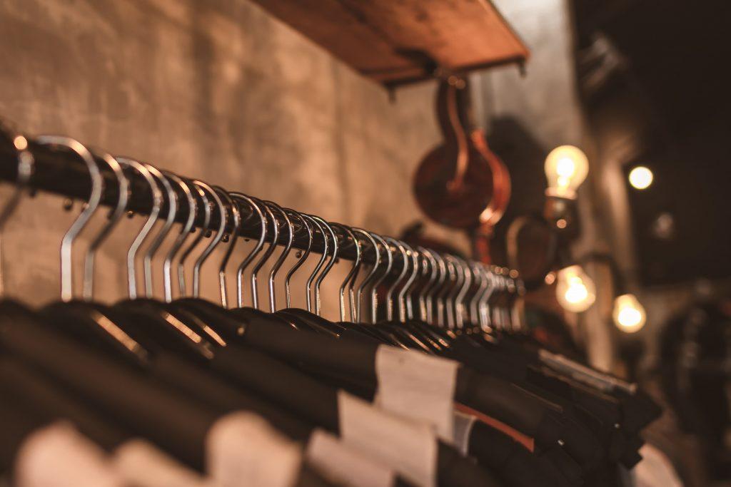 La moda a través de la historia  es un conocimiento base para los profesionales del arte y mercadeo.