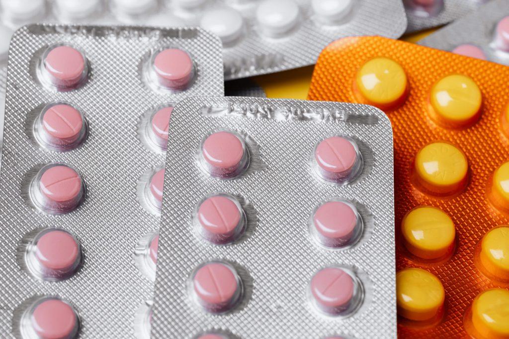 Las definiciones y requisitos de la formulación hacen parte de la estructura de la organización farmaceutica.
