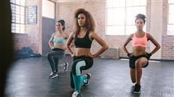 experto entrenamiento movilidad fuerza dirigido monitor gimnasio